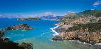 L'autorevole Forbes inserisce la spiaggia di Praia a Mare tra le sette più spettacolari d'Italia