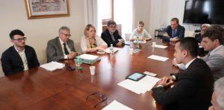 Il ministro Di Maio incontra il calabrese Antonino De Masi, simbolo della lotta al malaffare