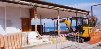 Reggio Calabria, demolito storico manufatto abusivo a Gallico
