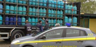 Paola, sequestrati 650 chili di Gpl in bombole potenzialmente esplosive