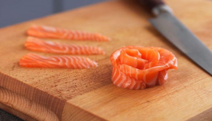 Borgia, sospetta intossicazione di pesce crudo in ristorante: titolari smentiscono