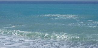 Balneazione in Calabria, non conforme solo il 2% delle acque: in larga parte sono quelle del Tirreno cosentino