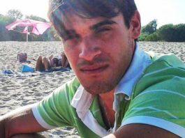 Ss106, ennesima vittima: con la sua moto contro tre auto, 24enne muore sul colpo
