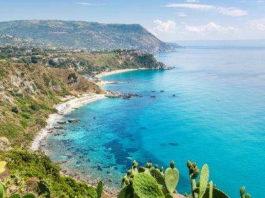 Turismo in calo: «Calabria riparti dalle seconde case e dalla programmazione»