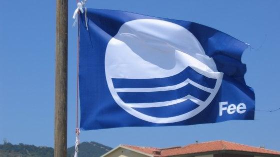 Bandiere Blu Calabria, zero controlli e reti fognarie non conformi: 25 mln di euro di multa dalla Corte Europea