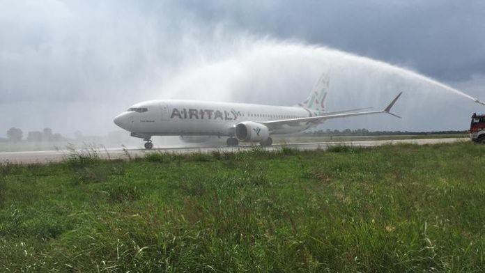 Lamezia Terme, oggi il primo volo 'Air Italy