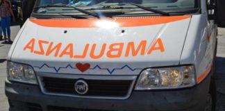 Crotone: 75enne cade in mare e muore, forse un malore