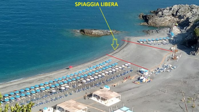San Nicola Arcella: spiaggia libera località Grotta del Prete