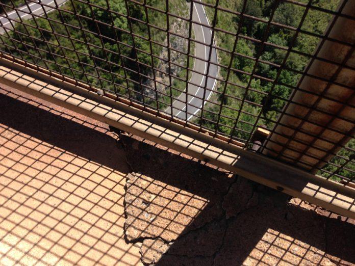 Codacons chiede il blocco dei mezzi pesanti per il ponte di San Nicola Arcella