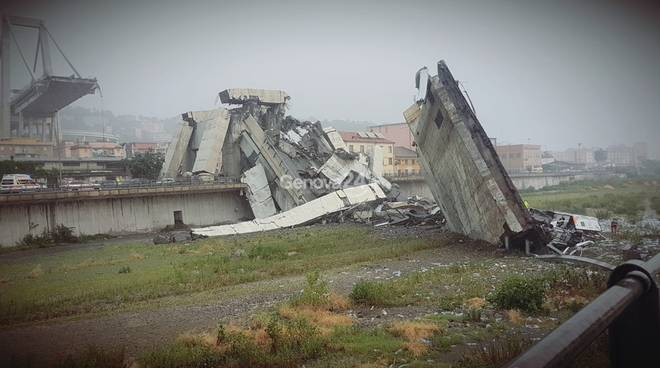 Crollo del ponte a Genova, tra i superstiti della tragedia c'è anche un cosentino