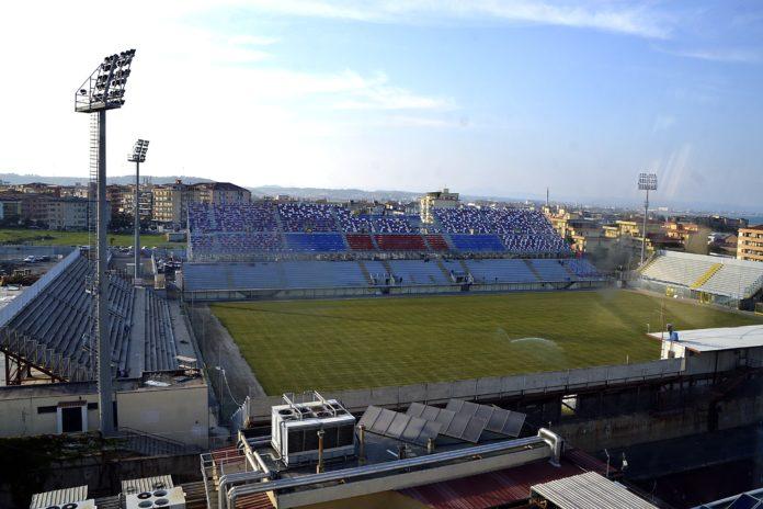 Crotone, sospesa l'agibilità dello stadio Enzo Scida