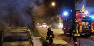 Davoli Marina, auto distrutta da incendio: nessuna ipotesi esclusa