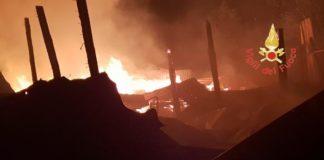 Sersale, in fiamme capannone animali: morti ovini