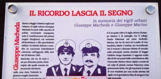 Reggio Calabria, divelta targa commemorativa dei vigili Macheda e Marino