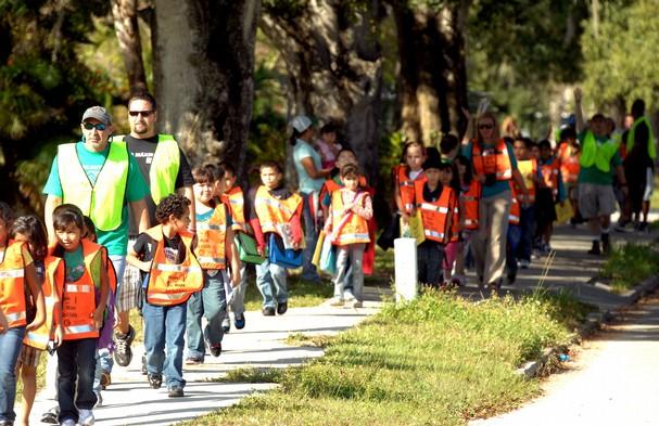 Catanzaro, il Codacons chiede 'piedibus' e stop al traffico davanti alle scuole