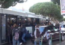 Codacons: «Una follia chiudere le scuole mentre i ragazzi sono già in viaggio»