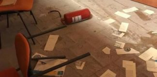 Raid vandalico in una biblioteca a Crotone