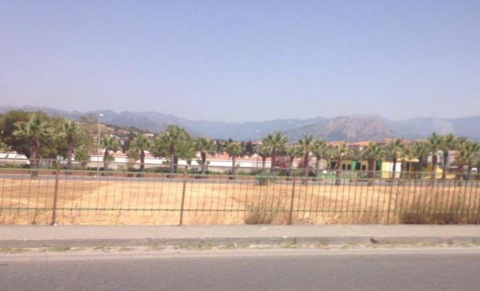 Scalea (Cs) | Giostrai occupano l'area adiacente all'ex tribunale: accordo raggiunto?