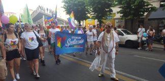 Cosenza   In mille per primo Gay Pride della città, presenti esponenti di sinistra