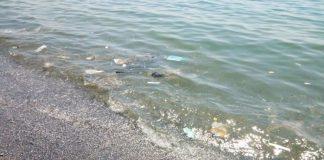 Scalea (Cs), mare sporco, anche l'amministrazione comunale chiede lumi