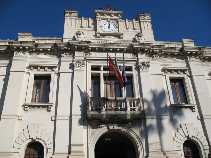 Reggio Calabria, genitori di bimbi malati ospitati in edifici confiscati