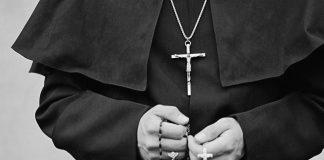 Calabria, pedopornografia e rapporti con minorenni: sospeso parroco - IL NOME