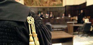 Calabria in guerra, terra di falsi eroi e finte vittime: è ora di smettere di raccontarci cazzate