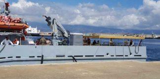 Nave inglese sbarca al porto di Reggio Calabria, ci sono 46 migranti a bordo