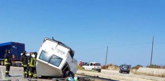 Strage di migranti, altri 11 braccianti muoiono in incidente stradale a Foggia
