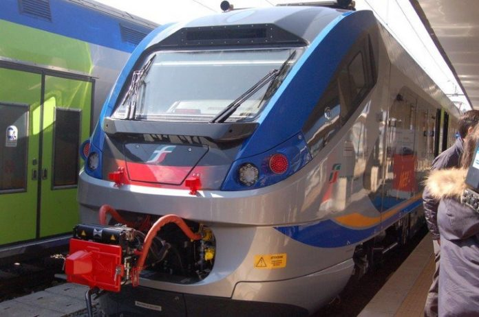 Appalti ferroviari, Graziano Di Natale alla protesta dei lavoratori indetta a Paola