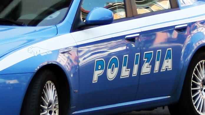 Soldi e sesso per non fare multe, assistente capo della polizia in manette